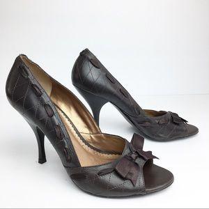 SZ 8 BCBG Brown Ribbon Heels